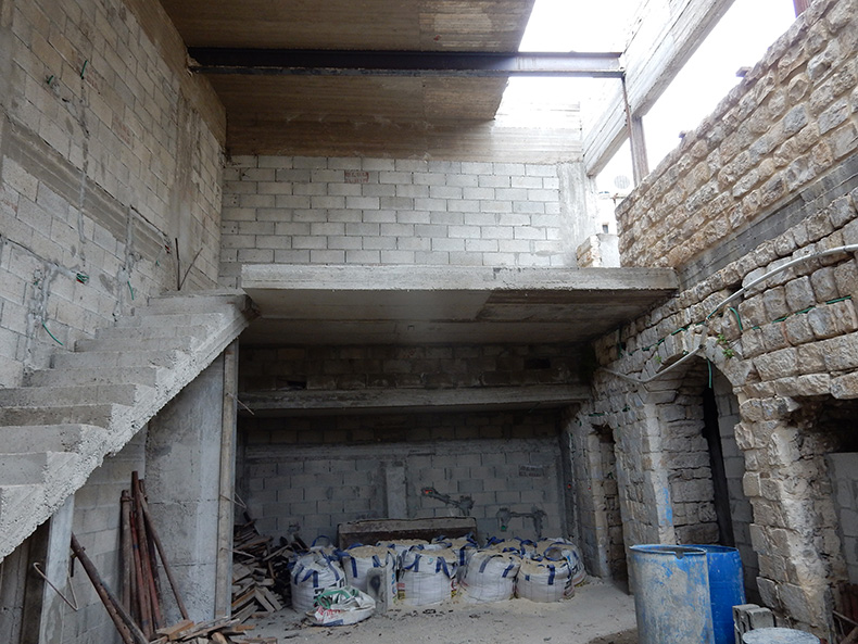 חידוש מבנה אבן עתיק בצפת