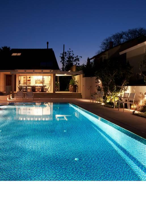 עיצוב בריכות שחייה